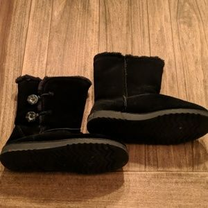 Shoes - Black Ugh style boots